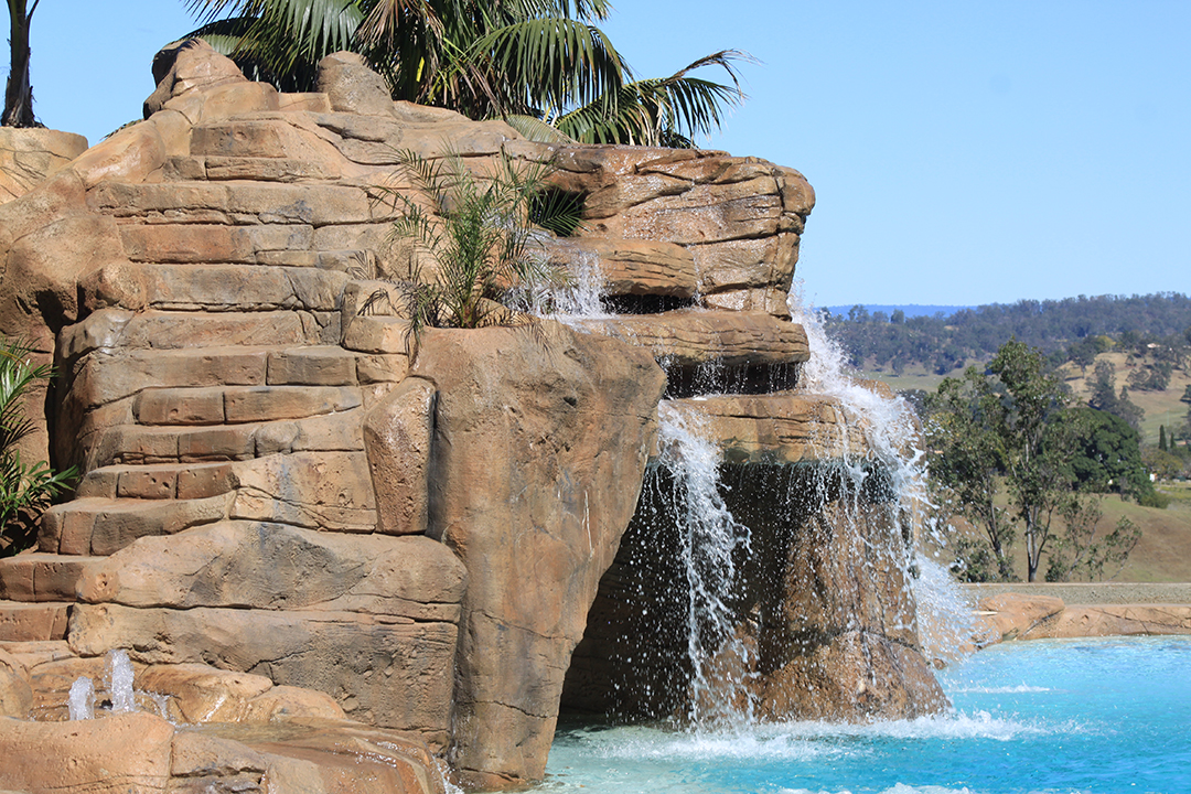 Ideal-Pools_Natural_Rock_Pool_rock_feature