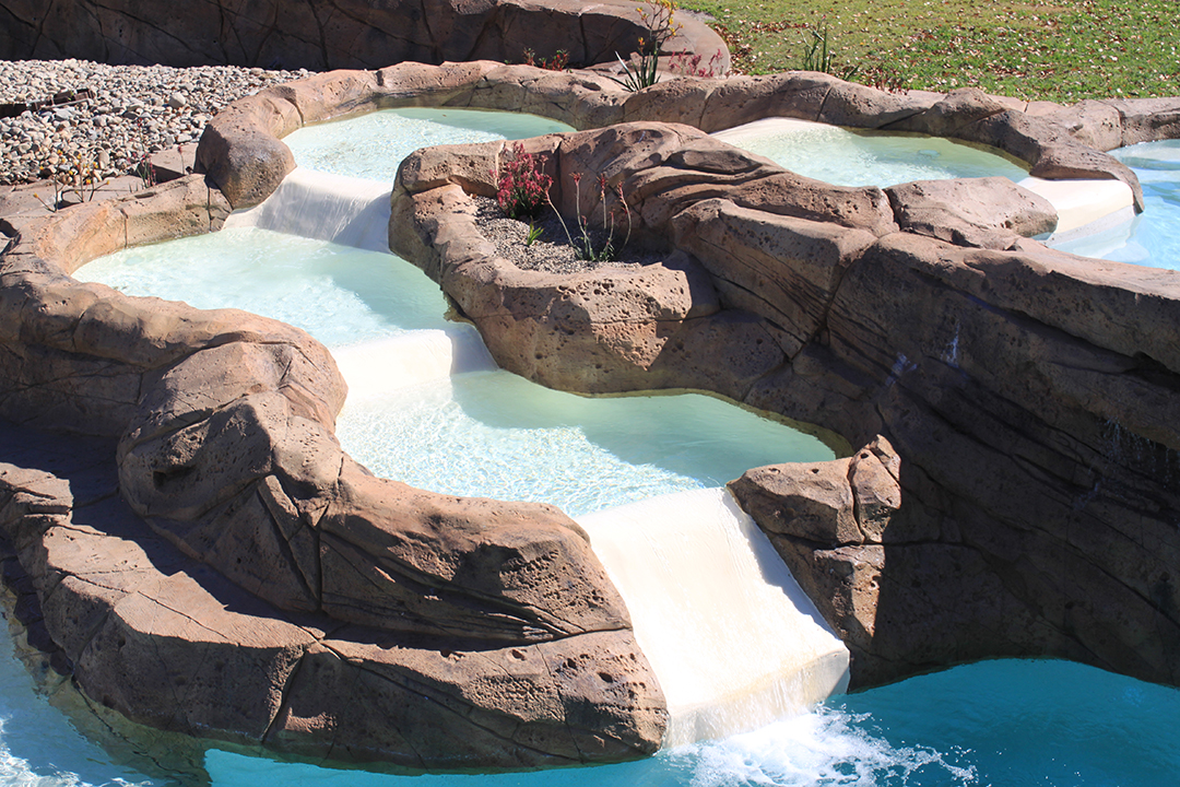 Ideal-Pools_Natural_Rock_Pool_water_feature